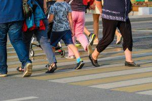 Ученые установили, почему пешеходы врезаются друг в друга