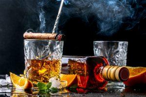 Надо меньше пить: ученые нашли легкий способ бросить курить
