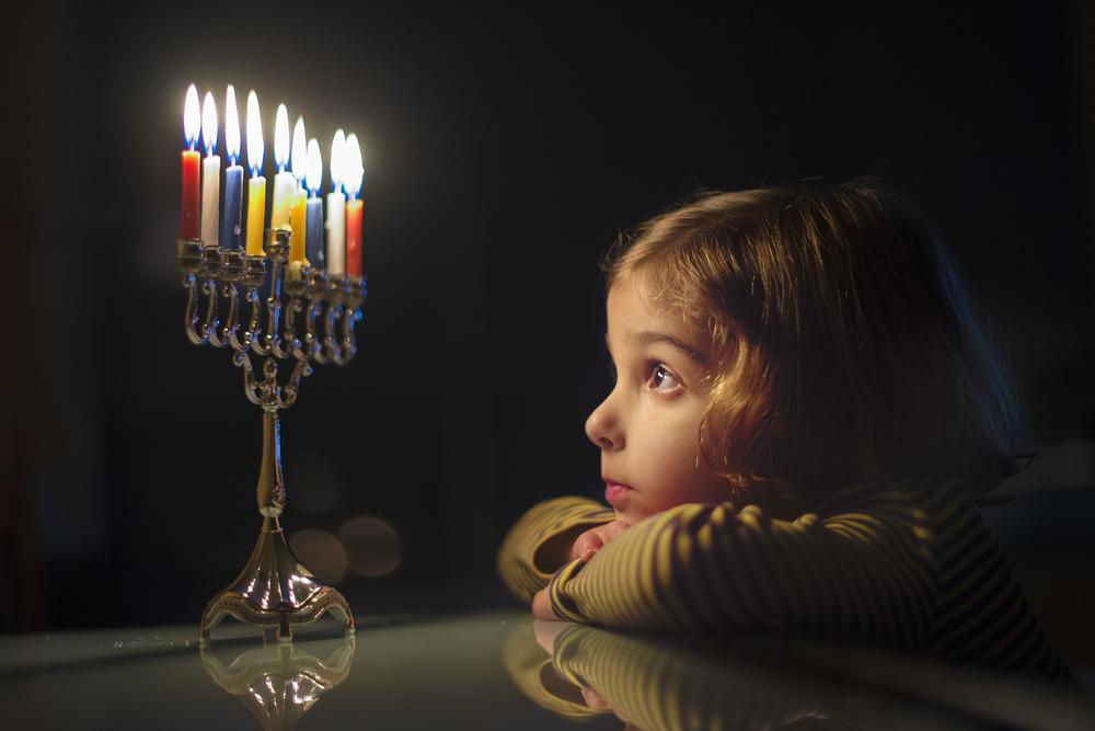 Ханука 2018:  как зажигают свечи и что готовят на праздник огней.Вокруг Света. Украина