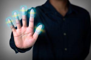 Хакеры обманули сканер пальца с помощью поддельной руки