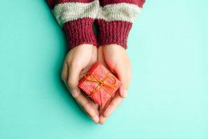 Британец оставил в наследство рождественские подарки на 14 лет вперед