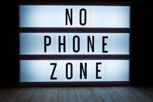 Coca-Cola заплатит $100 000 за отказ от смартфона на год