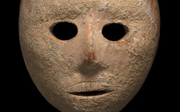 На берегу реки Иордан нашли 9-тысячелетнюю каменную маску.Вокруг Света. Украина