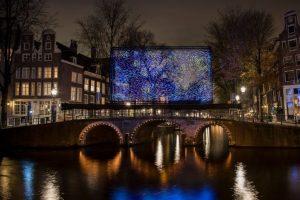 В Амстердаме нарисовали Ван Гога светодиодами