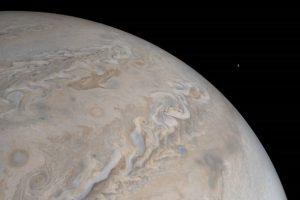 Обнаружен активный вулкан на спутнике Юпитера