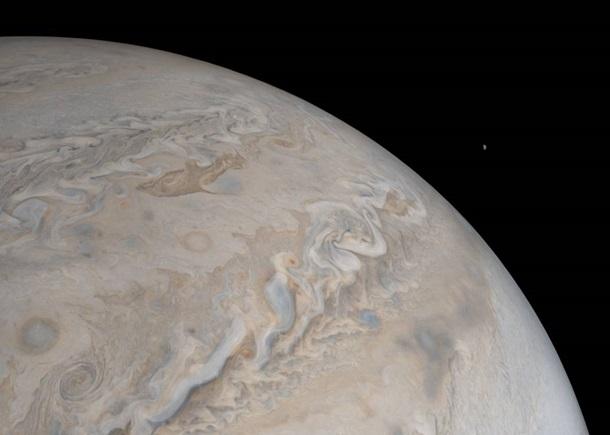 Обнаружен активный вулкан на спутнике Юпитера.Вокруг Света. Украина