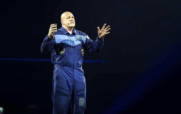 Астронавт позвонил в 911 из космоса.Вокруг Света. Украина
