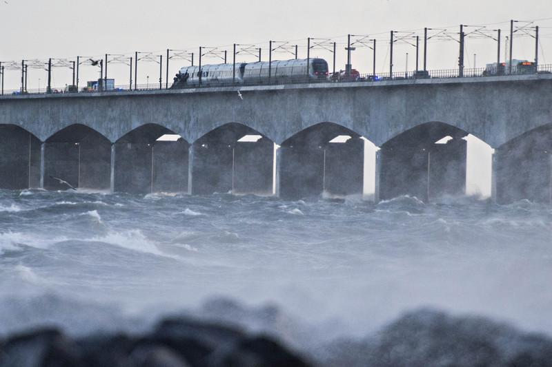 В Дании из-за урагана произошла авария на железной дороге