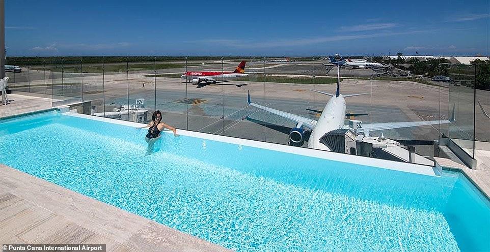8 аэропортов мира, в которых есть бассейны 8 аэропортов мира, в которых есть бассейны 6933232 0 Punta Cana International Airport m 36 1543827143129
