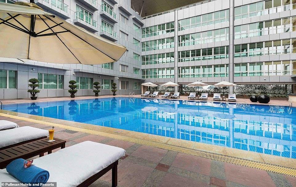 8 аэропортов мира, в которых есть бассейны 8 аэропортов мира, в которых есть бассейны 6950600 6454335 The Pullman Guangzhou Baiyun Airport hotel is ideally located in a 68 1546012609174