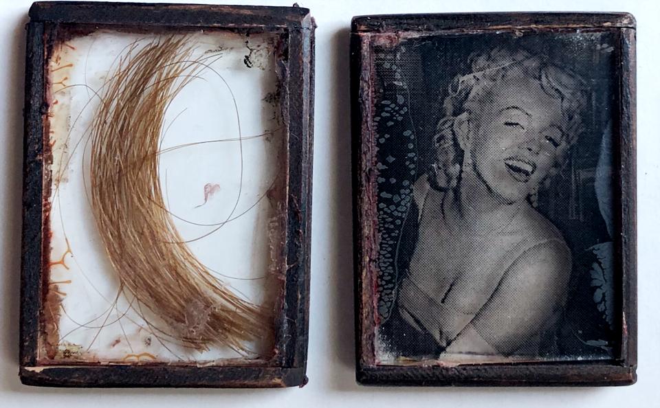 Прядь волос Мэрилин Монро продают за $16 500