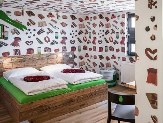 В Германии открылся первый в мире отель для любителей колбасы.Вокруг Света. Украина