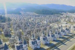 Город-призрак из «диснеевских замков» в Турции