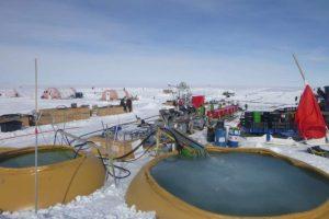 В Антарктиде ученые пробурили скважину рекордной глубины
