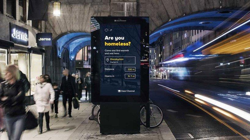 В Швеции на ситилайтах разместили послания для бездомных