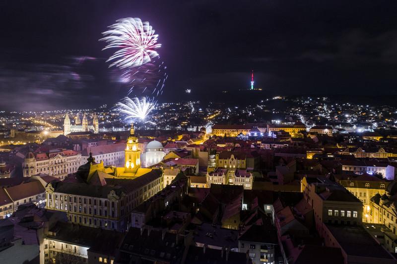 Как встретили Новый год 2019 в разных странах: фото Как встретили Новый год 2019 в разных странах: фото p 54868466