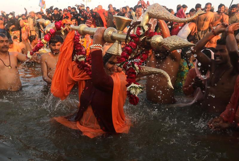 В Индии началось паломничество Кумбха Мела, которое завершится в водах Сангама