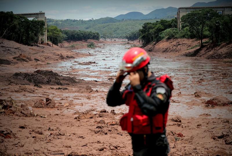 Обрушение дамбы в Бразилии: 60 погибших, 300 пропавших без вести