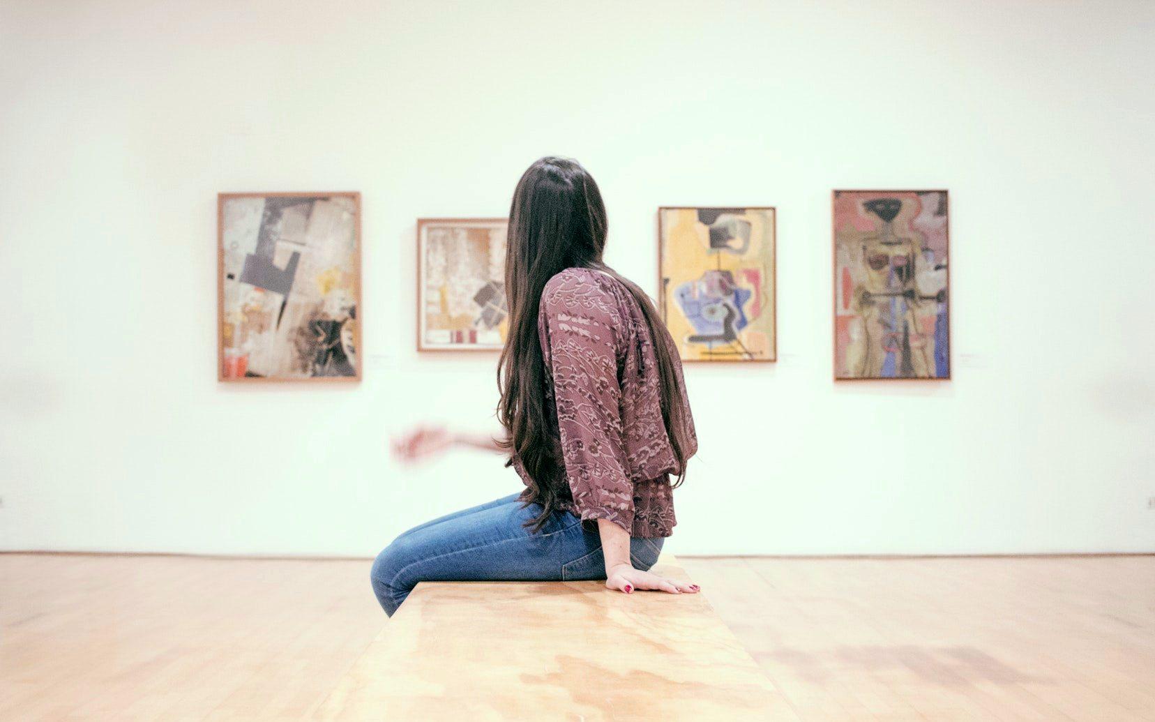 Посещение музеев и галерей избавляет от стресса: ученые