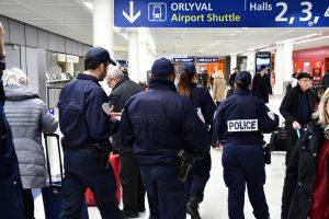 Парижский аэропорт эвакуировали из-за туфель