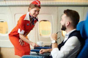 Американские стюардессы начали брать на чай
