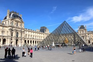 Лувр приглашает на индивидуальную экскурсию за 30 000 евро