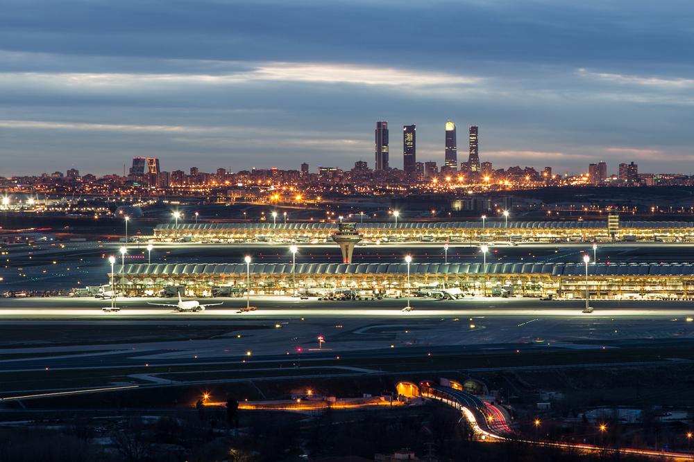 В испанском аэропорту нашли бесхозный самолет