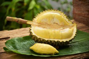 Самый вонючий в мире фрукт продают за $1000
