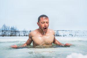 Откуда пошел обычай купаться в проруби на Крещение?