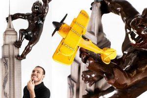 В Канаде вылепили Кинг-Конга и Эмпайр-стейт-билдинг из шоколада (видео)