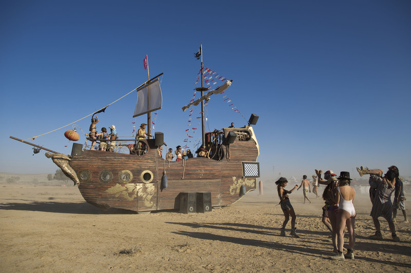 Burning Man меняет правила, чтобы не превратиться в luxury ...
