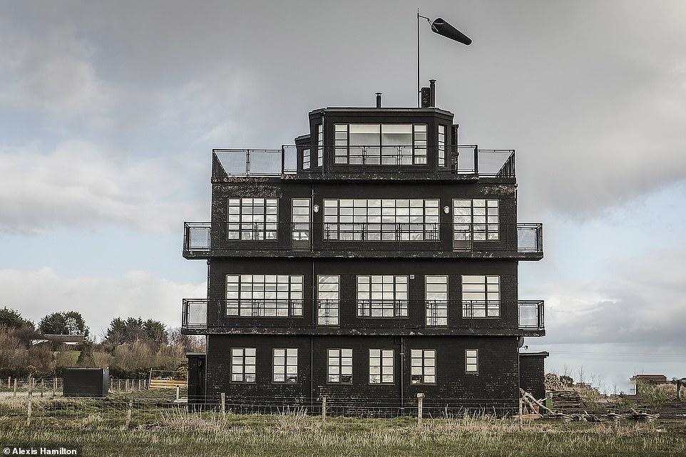 Контрольную башню на аэродроме Второй мировой войны превратили в апартаменты Airbnb