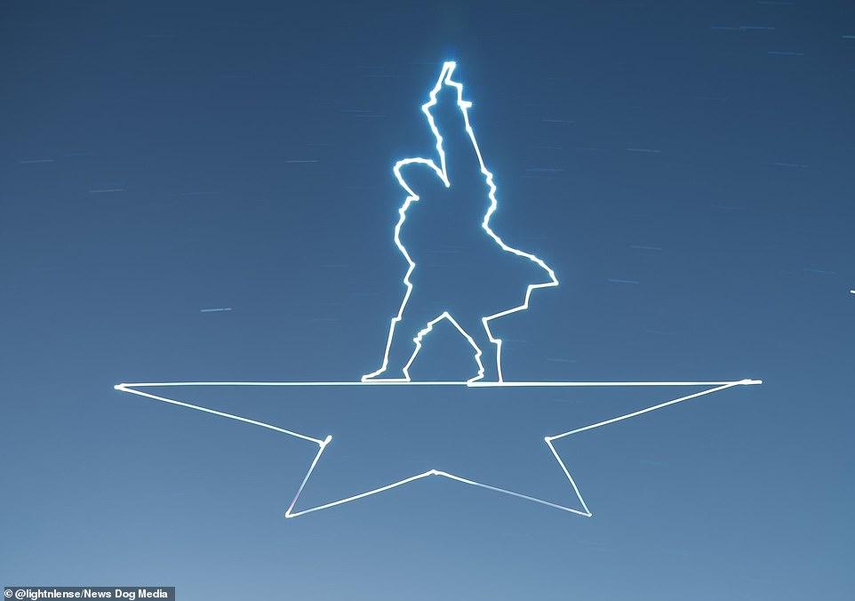 Художник дроном нарисовал  картины на ночном небе (видео)