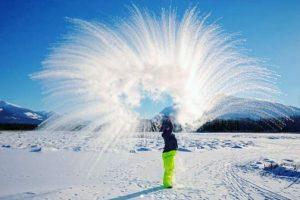 Жители Сибири устроили необычный флешмоб