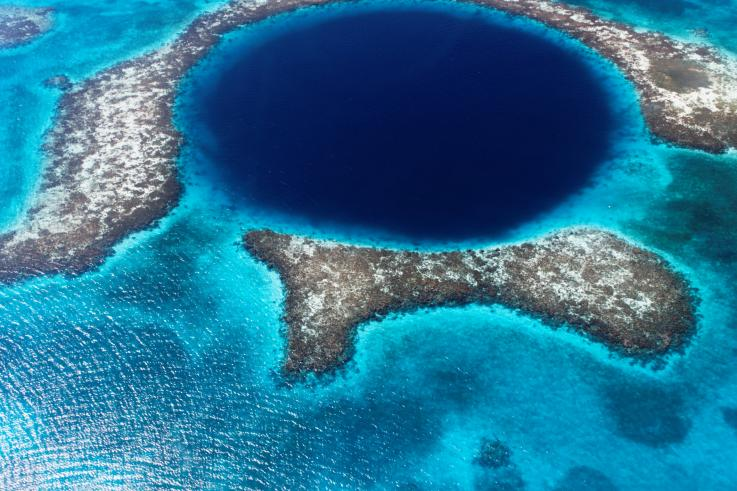 Ученые создали 3D-карту Большой голубой дыры