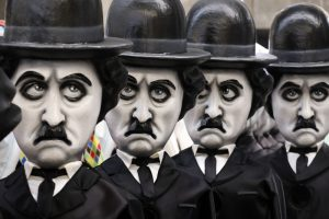 Гигантский Трамп и Харви Ванштейн: Ницца готовится к карнавалу