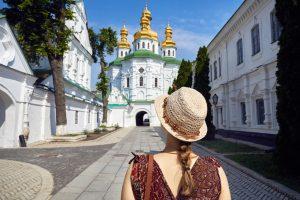 Киев повысил туристический сбор для иностранцев и украинцев