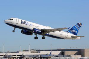 Пассажирка JetBlue родила во время полета