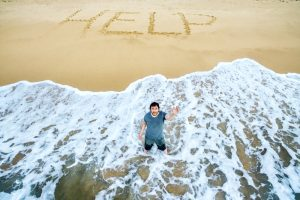 На Канарах запретили рисовать на песке