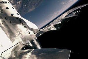 Космоплан Virgin Galactic совершил первый полет с пассажиркой на борту