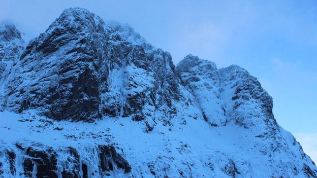 Лавина накрыла альпинистов на самой высокой горе Шотландии