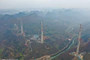 Как строят мост-небоскреб в Китае