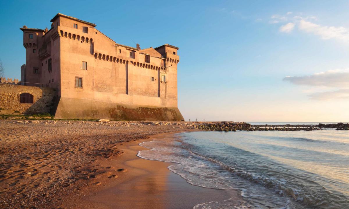 В Италии в резиденции римских пап открыли хостел.Вокруг Света. Украина