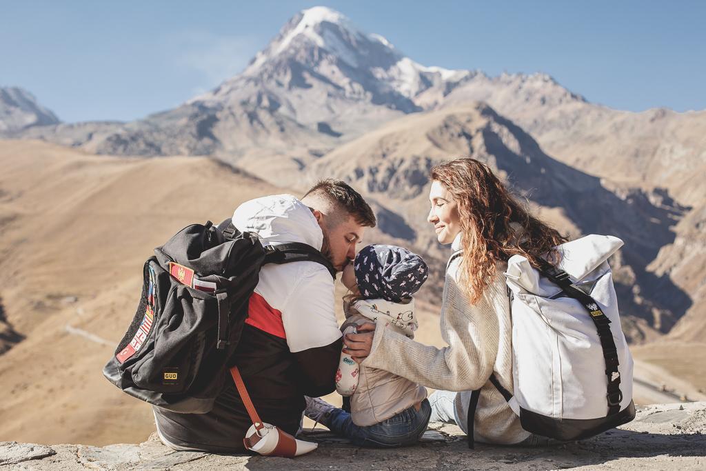 Как спланировать путешествие с ребенком: интервью с travel-блогером Александром Костюком (видео)