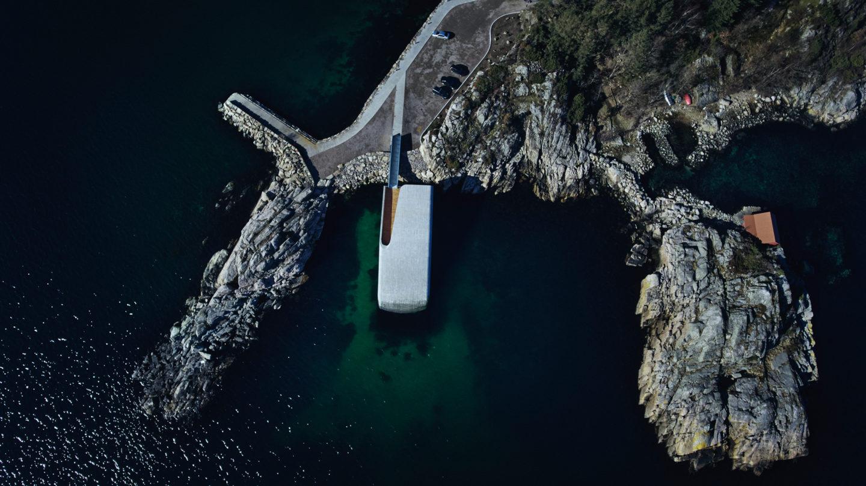 В Норвегии открылся самый большой подводный ресторан Европы