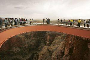 Турист упал с 300-метровой высоты в Большом каньоне, пытаясь сделать селфи