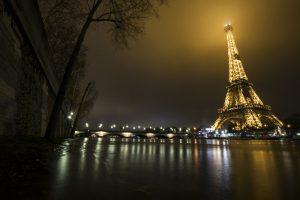 Франция отмечает юбилей Эйфелевой башни