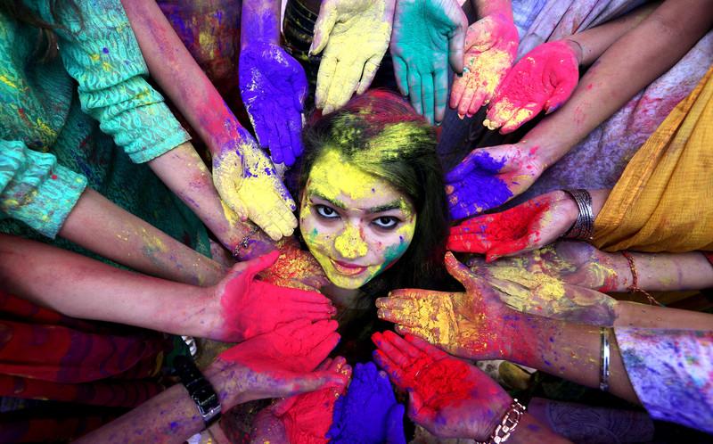 Холи: традиции и символика индуистского праздника красок