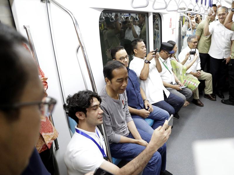 В Индонезии открыли первую в стране ветку метро