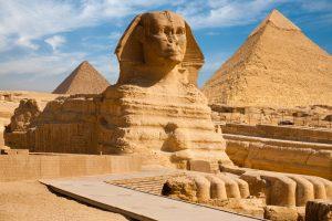 Почему у древнеегипетских статуй сломаны носы?
